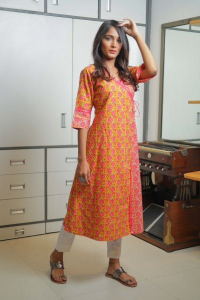 Floral kurta with Gotta Border