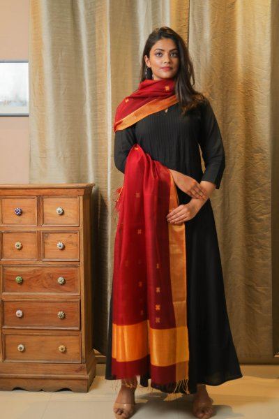 Enticing Red Dupatta